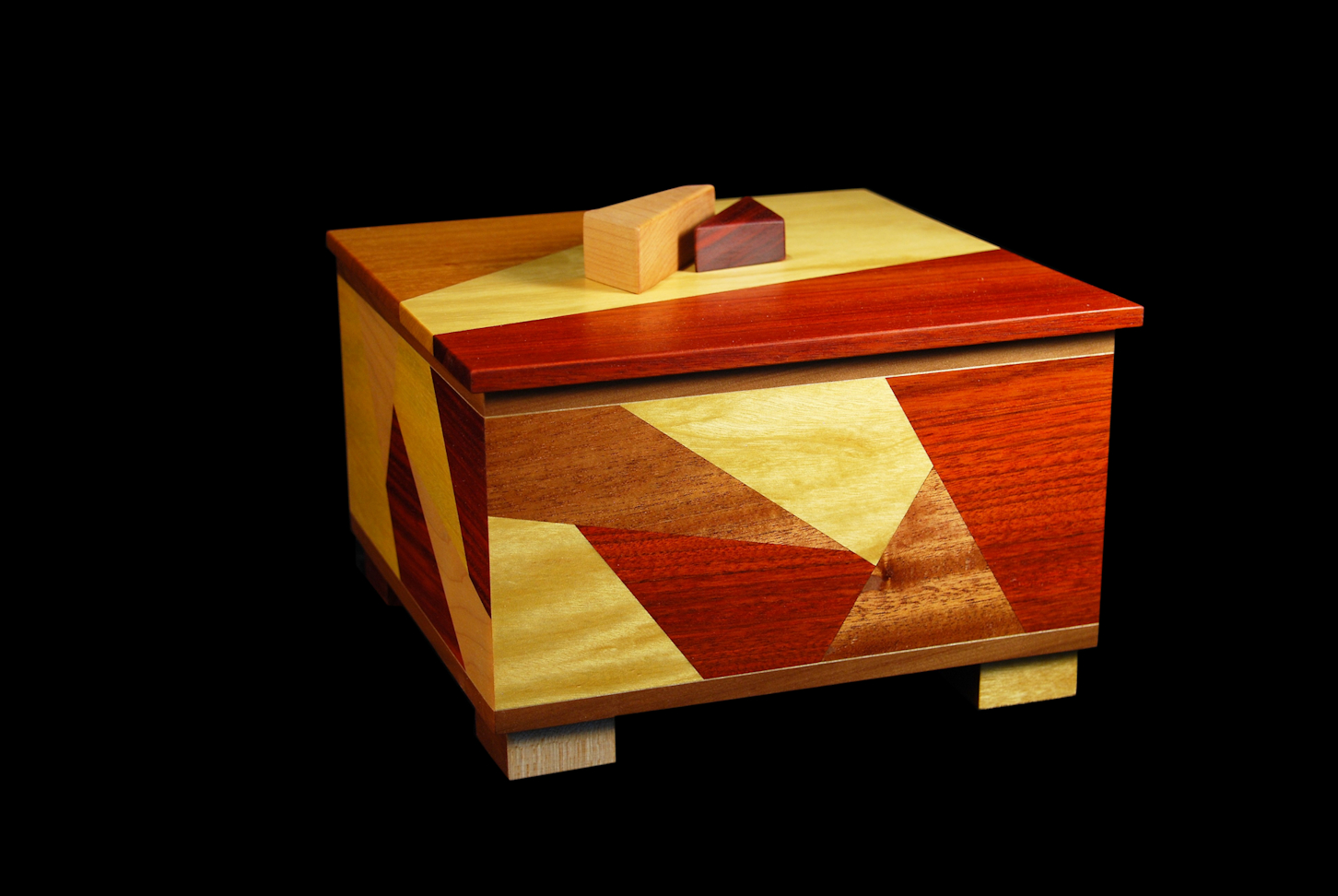 Doug-Pisik-_Shatter-Box-I_-10_-x-10_-x-8_-Yellowheart-Bloodwood-Mahogany-Maple
