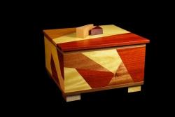 Doug-Pisik-_Shatter-Box-I_-10_-x-10_-x-8_-Yellowheart-Bloodwood-Mahogany-Maple